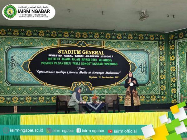 "STADIUM GENERAL ""Optimalisasi Budaya Literasi Media diKalangan Mahasiswa"""